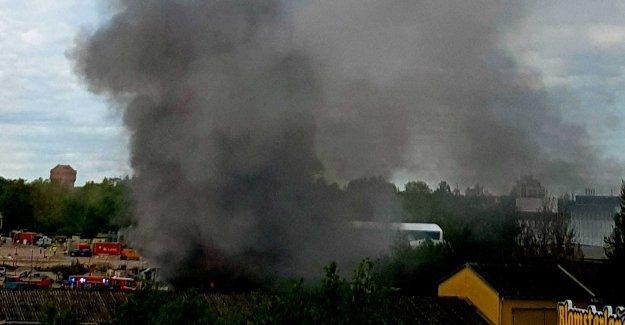 Big fire in Örebro – the risk of explosion