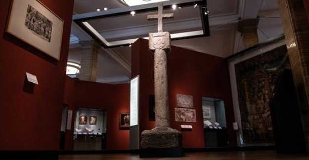 Colonial past: Germany, Namibia, the stone returns the cross