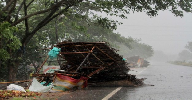 Cyclone hits country: India brings a Million people to safety