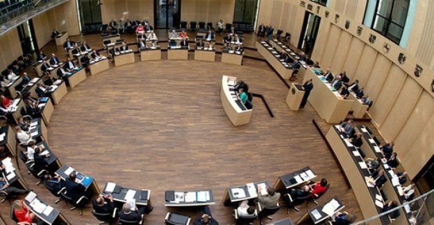 Debate on the Federal Council: abstention