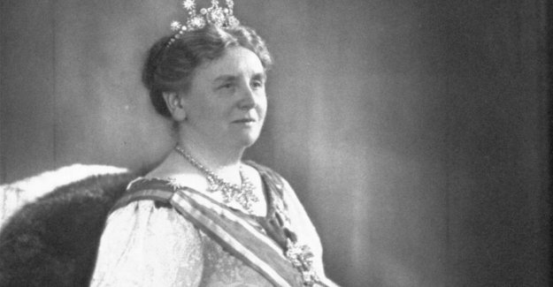 Dutch queen contemplated the exchange of ideas with the nazis