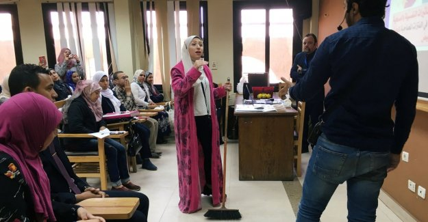 Egyptian students get a lesson about marriage