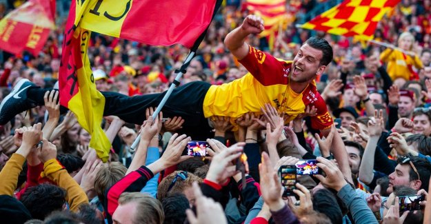 Heysel colors red and yellow! KV Mechelen is beating AA Gent and cross for second time, the Cup of Belgium in your pocket
