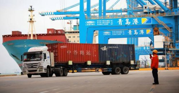 In the trade dispute with the United States, China raises new, customs duties.