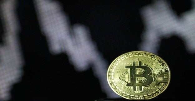 Investors snatch back to Bitcoin