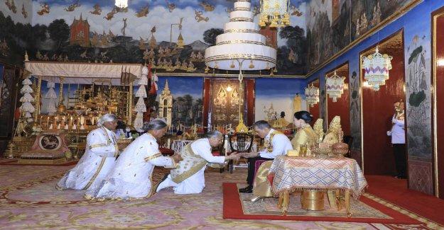 King Rama X takes the throne