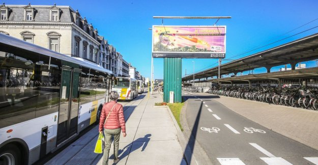 Kortrijk suing The Line for discrimination: large, distance between bus terminals bothersome for those who are less mobile is