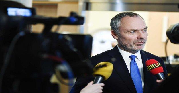 L am voting for mistrust of the Strandhäll