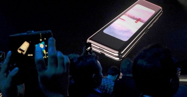 Launch the Samsung Fold as possible in June