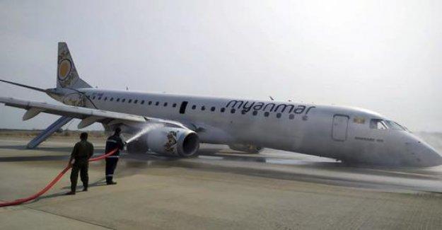 Myanmar: passenger plane on the rear wheels landed