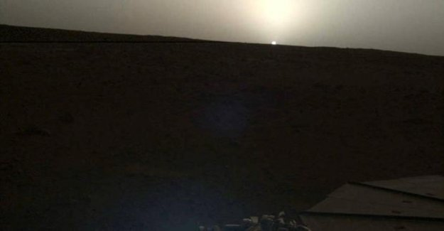 NASA releases breathtaking images of the sunset and the sunrise seen from Mars