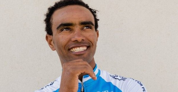 Overall pantflaskor as a refugee in Sweden – now he rides the Giro d'italia