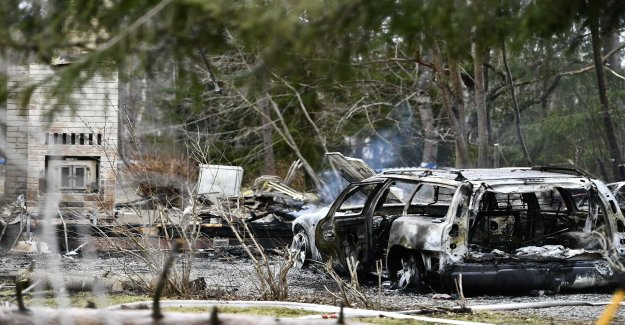 Person found dead in fire debris – man arrested with cans