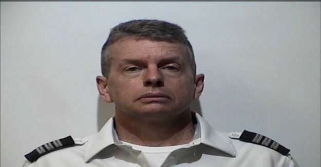 Pilot arrested at airport – suspected of triple homicide