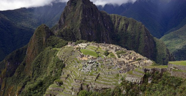 Plan for airport, by vulnerable Machu Picchu awakens anger