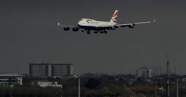 Protests against new runway to be rejected
