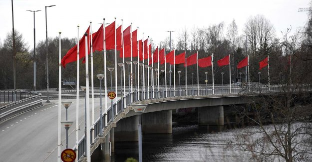 Red flags for Löfven in Umeå
