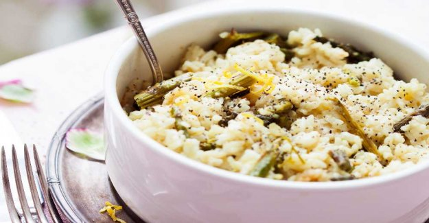 Risotto with asparagus and lemon