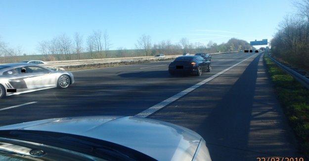 SEC-after wedding-Blockade on the highway