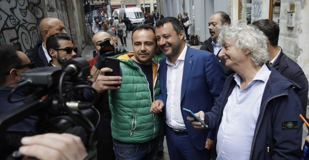 Salvini collects nationalistkollegor to the meeting