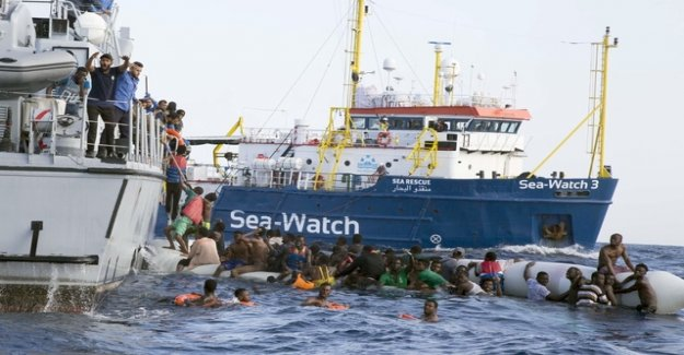 Sea-Watch rescues 65 people from Libyan coast