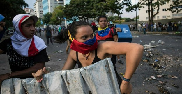 Several injured in protests against Maduro – a stated death