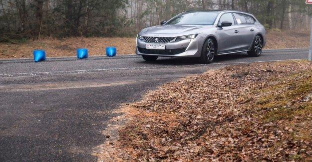 Short-range electricity for Peugeot's new plug-in hybrid 508