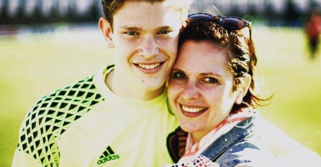 Son of 'Family'actress celebrates bekerwinst of KV Mechelen