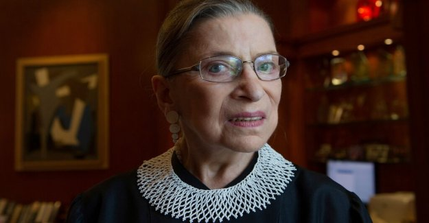 Standing ovation for Ruth Bader Ginsburg