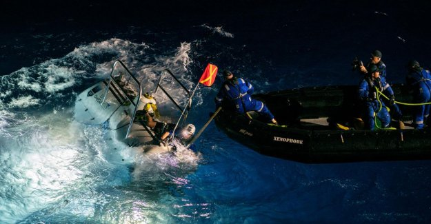 Submarine makes deepest dive ever and find a plastic bag on the seabed
