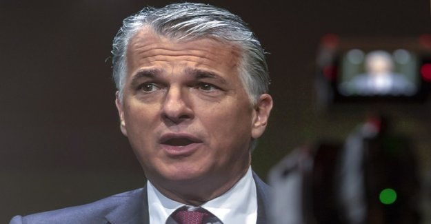 Swiss officials help France against UBS