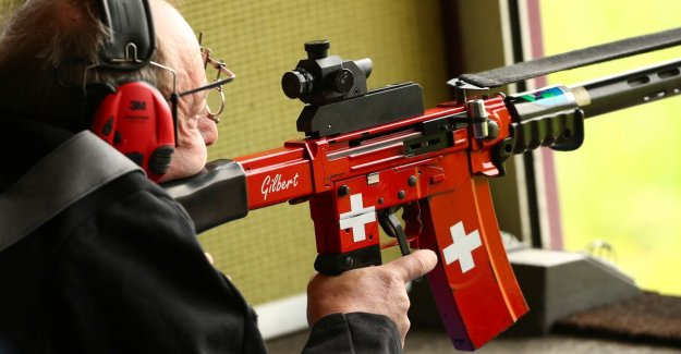 Swiss vote for stricter weapons law