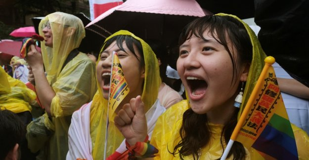Taiwan to allow same-sex marriage