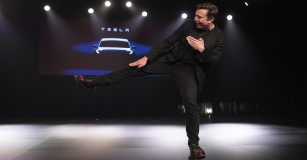 Tesla collects more money than planned