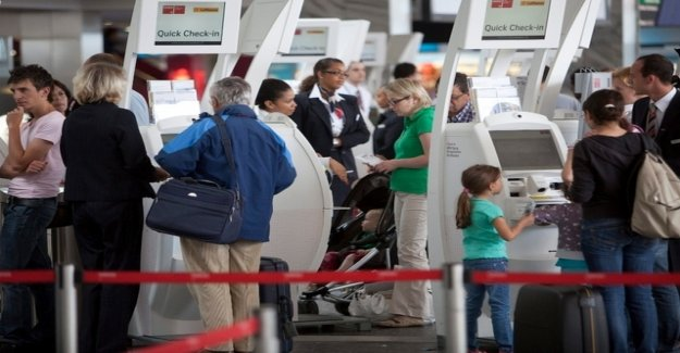 The airport suddenly loses passengers