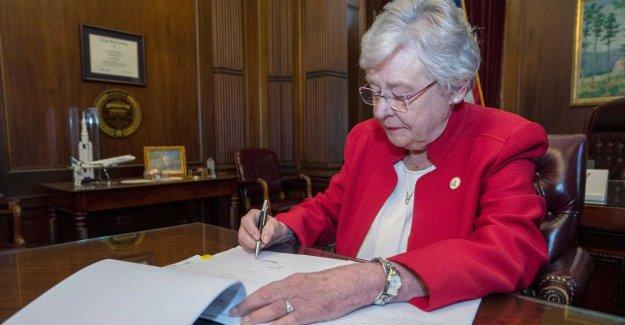 The governor approves the Alabama abortförbud