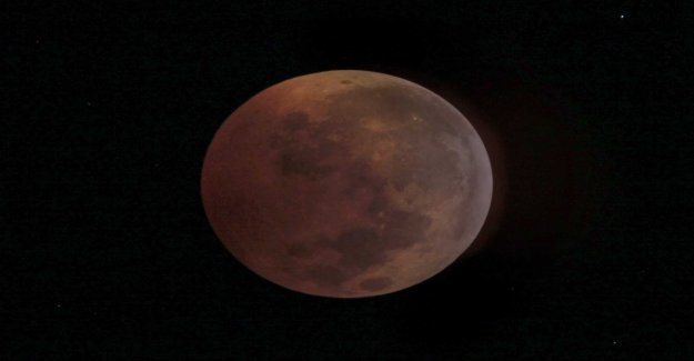 The shrinking of the moon continues to shake
