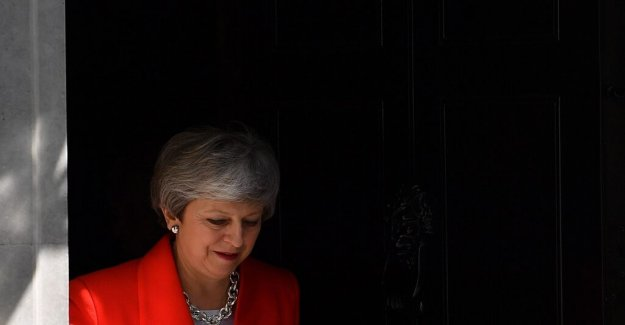 Theresa May should give notice of his resignation in June