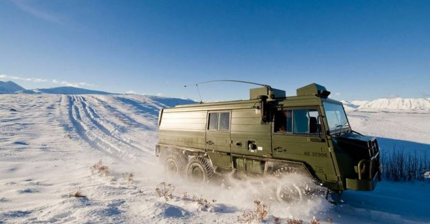 This cast-iron military vehicle is also an ideal motorhome (and simply purchase)