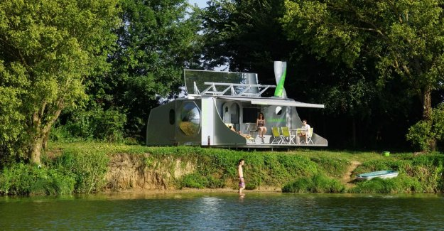 This smart mobile holiday home generates its own energy