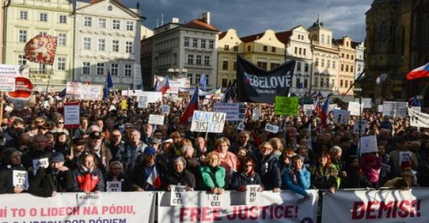 Thousands protest against Czech Republic's Minister of justice