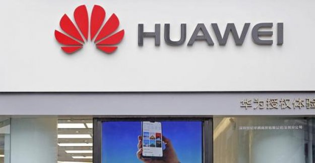 Trump moves against China's telecoms giant