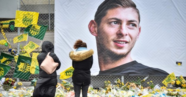 Two arrested for the picture of the dead footballer Emiliano Sala