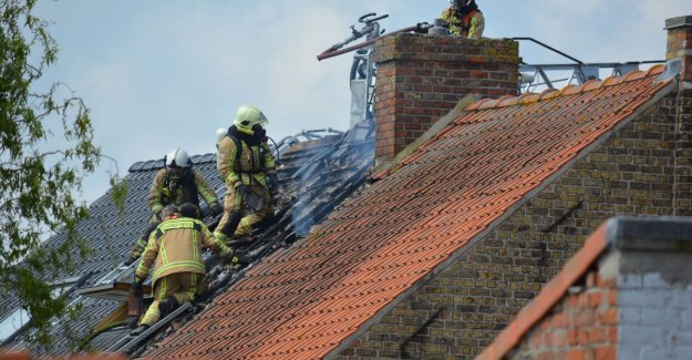 VIDEO. Centre of Diksmuide for hours, closed off by heavy fire in the house
