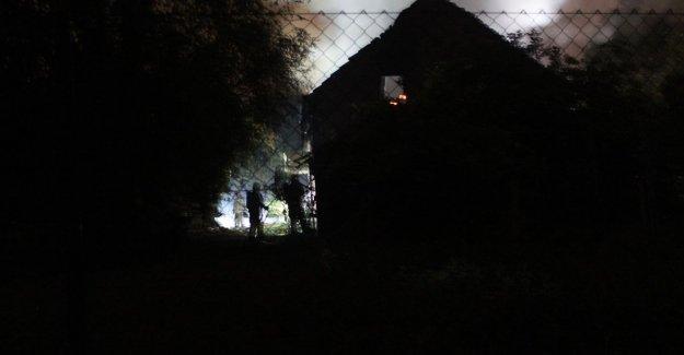 VIDEO. Infamous 'drugsboerderij' burnt out
