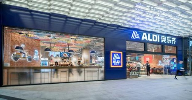 Aldi in Shanghai: sausages, beer and chicken feet