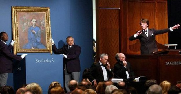 Sotheby's auction house changes hands