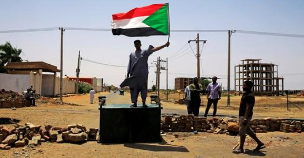 Sudan: Opposition rejects offer of talks