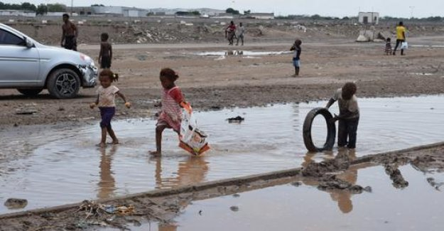 World hunger relief: Emergency by wars and climate change