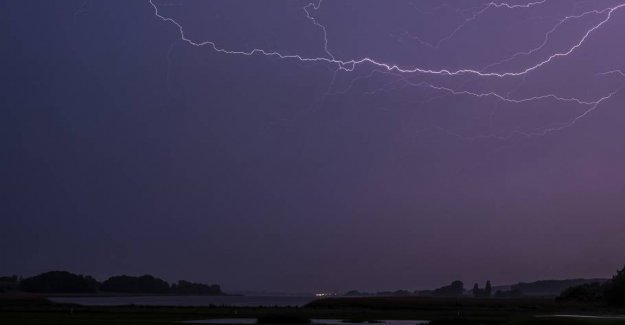 DMI emits the warning: Here there may be thunder and torrential rain